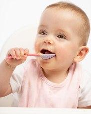 во сколько месяцев можно прикармливать ребенка искусственника