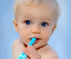 Режутся зубки: как облегчить боль?