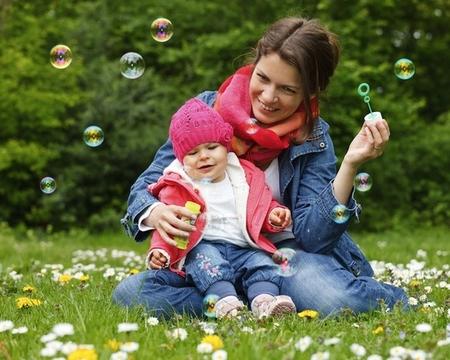 стоит ли гулять с ребенком при насморке