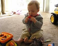 Как научить ребенка прибирать игрушки?