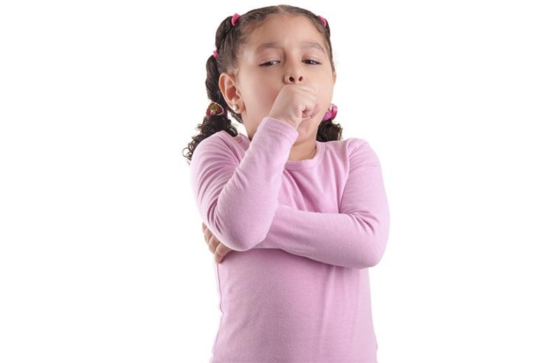 Кашель могут вызывать совершенно разные болезни, вплоть до глистов