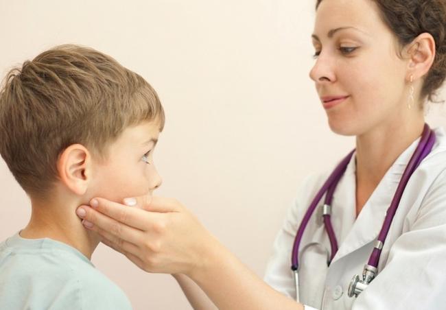 Лимфаденит у детей на шее