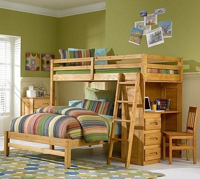 Двухъярусная кровать внизу