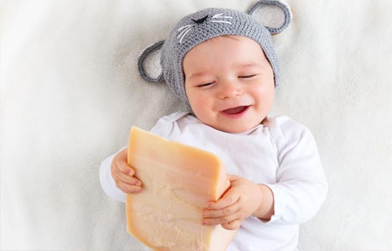 Нужен ли сыр малышам? Когда можно давать сыр ребенку