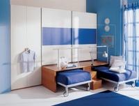 Мебель в комнату мальчиков часто отличается простотой и минимализмом