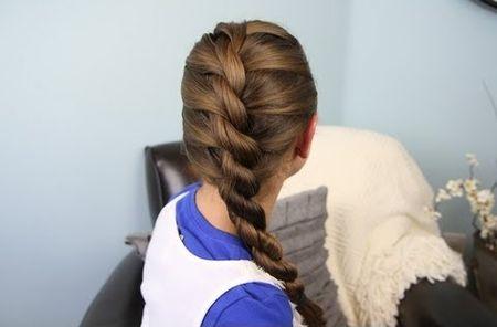 школьные прически для девочек на средние волосы