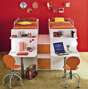 Как выбрать стол для школьника.