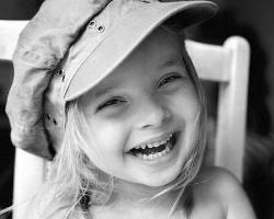 улыбаться