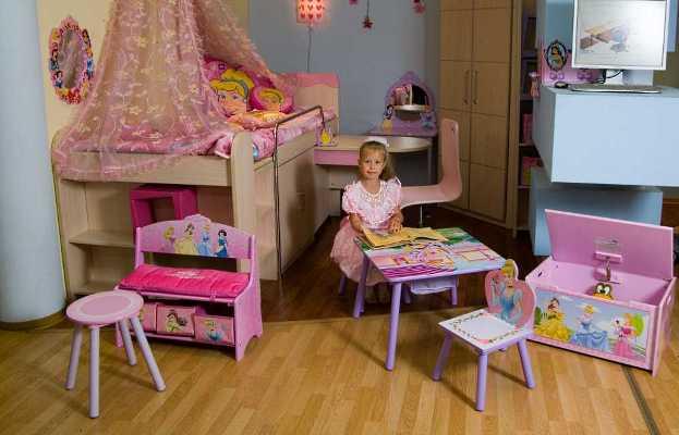Как хранит игрушки настоящая девочка: в стиле Барби